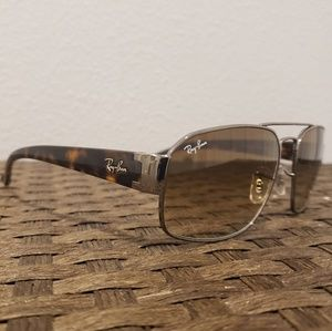 Ray-Ban Sunglasses RB3427